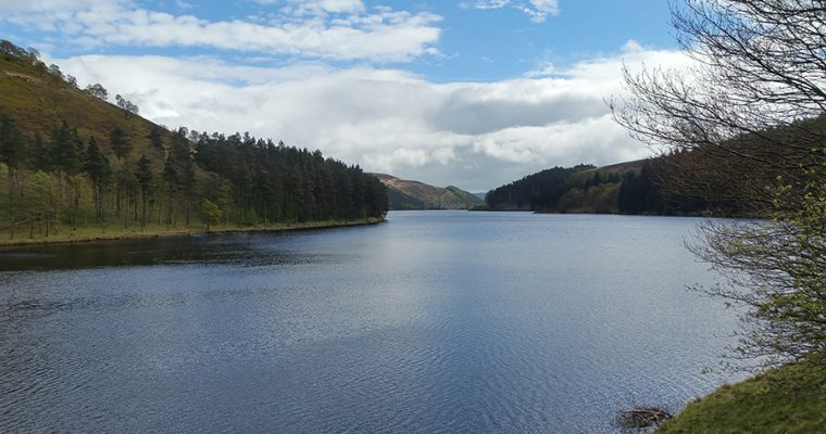 Howden Reservoir Walk On The May Day Weekend