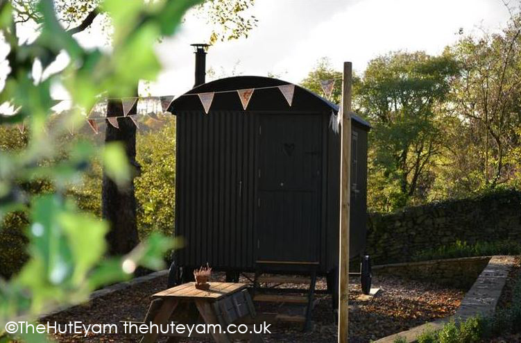 The Hut Eyam A Warm Welcome In The Peaks