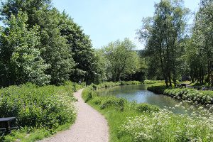 A bend in The Cromford Canal