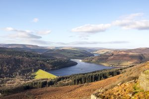 Ladybower Reservoir from Bamford Edge - 4314